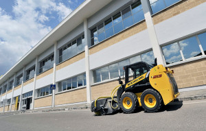 Skid Steer Loader - L213