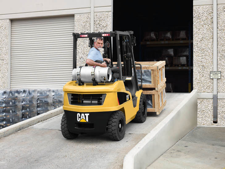 cat lift trucks internel combustion pneumatic tire dp25n