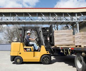 cat lift trucks lp gas cushion tire gc55k